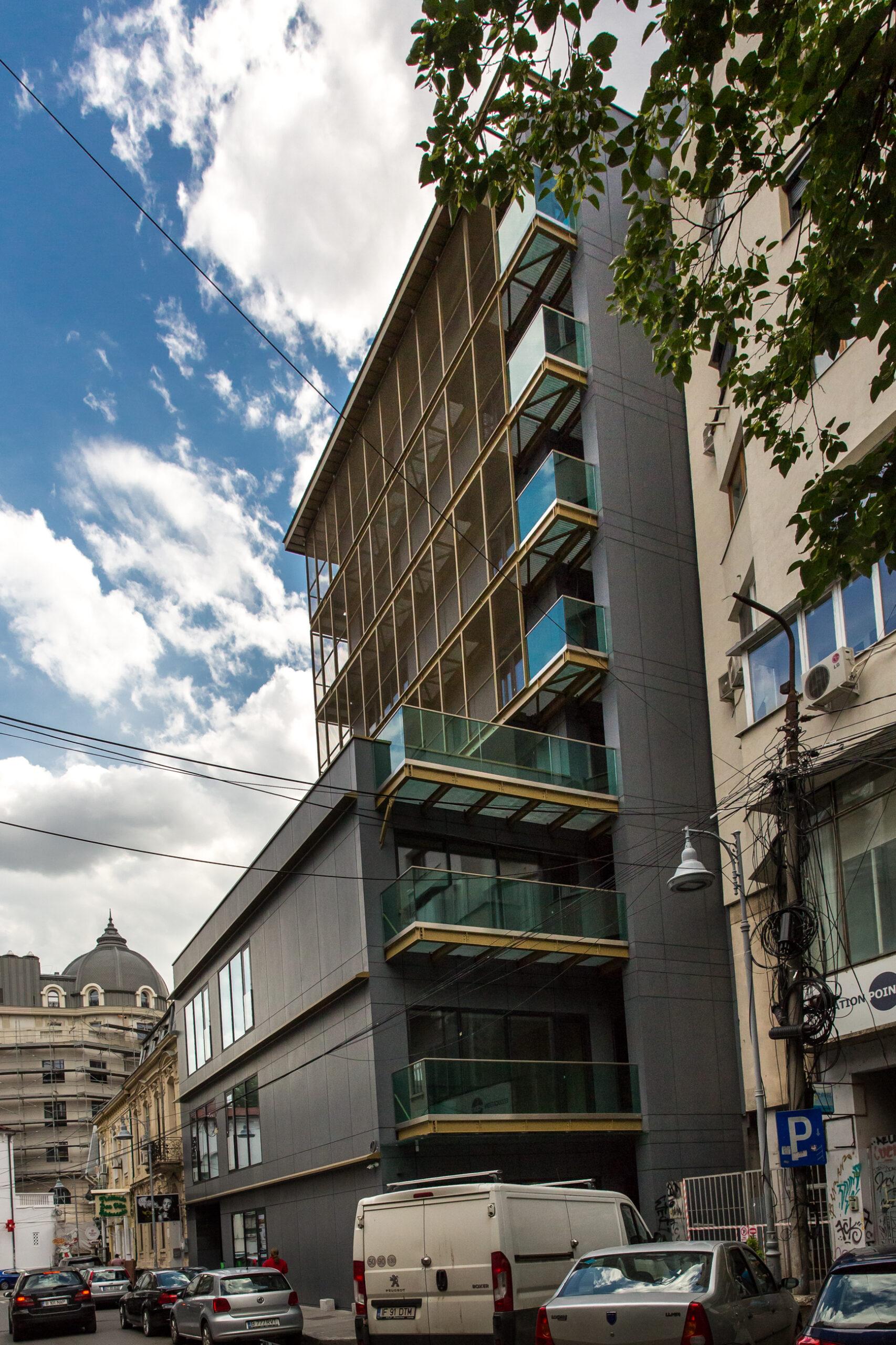 Romana, Mendeleev -spatiu birouri 368 mp in imobil exclusivist clasa A-Comision zero !